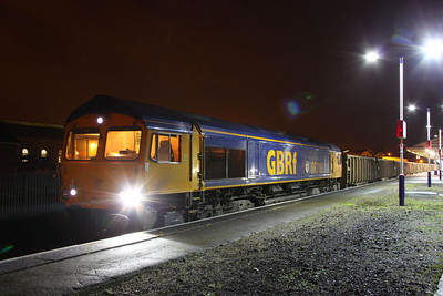 66716 stands in Newton Abbot having ran round the: 6F31 01:00 Cardiff Tidal to Exeter Alphington Road  03/11/11
