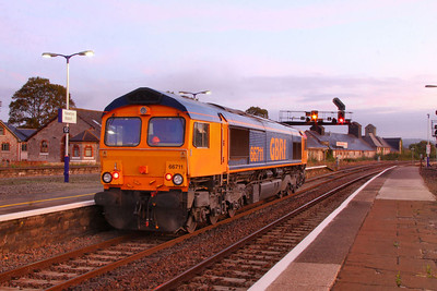 66711 runs round at Newton Abbot on the:  6F31 22:56 Cardiff Tidal to Exeter Alphington Road   15/09/11