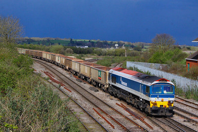 59103 arrives into Westbury, with a thunderstorm in the background, working the: 7C54 13:06 Oxford Banbury Road to Whatley Quarry   12/04/12