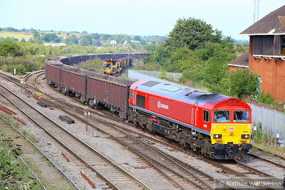 59203 arrives into Westbury on the: 7Z20 10:55 Grain to Merehead  21/08/13