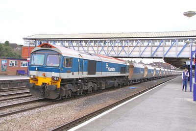 59102 heads east through Newbury on the: 6A74 09:22 Whatley Quarry to Theale  22/03/11  View the video at: http://www.youtube.com/watch?v=UvQUuDN3A60