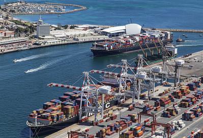 Fremantle Port 1434hrs 110120_MSC RACHELE 8238teu + NORTHERN JAGUAR 8814teu + PARIS TRADER
