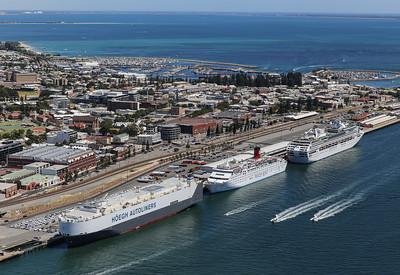 Fremantle Port 1433hrs 110120_Hoegh London, Ocean Dream, Sun Princess at Victoria Quay