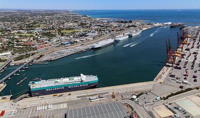Fremantle Port 1433hrs 110120