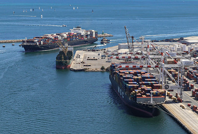 Fremantle Port 1432hrs 110120_NORTHERN JAGUAR 8814teu + MSC RACHELE 8238teu
