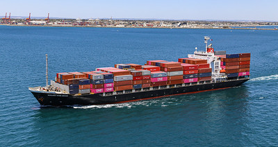 MARGARET RIVER BRIDGE [9550383] 21,925dwt 1708teu '09 {Taiyo Kaiun_Ocean Network Express} dep Fremantle 110120 PB7