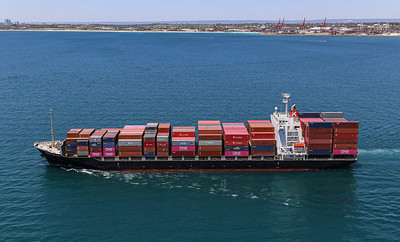 MARGARET RIVER BRIDGE [9550383] 21,925dwt 1708teu '09 {Taiyo Kaiun_Ocean Network Express} dep Fremantle 110120 PBm1