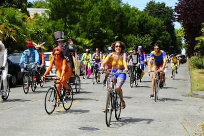 Fremont Fair bicyclists 6-22-13