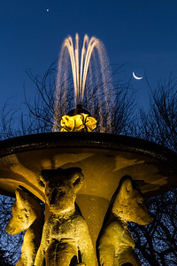 Fountain at The Circle — Northbrae Berkeley — Crescent Moonrise & Venus
