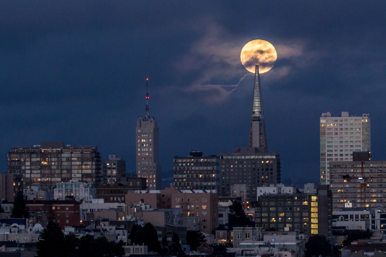 Moonrise over Transamerica Pyramid