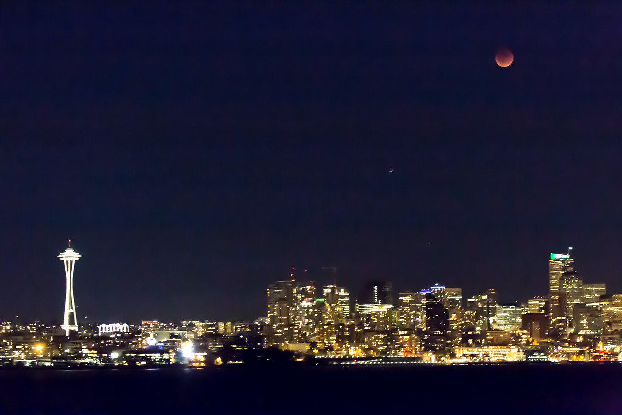 Lunar Eclipse — Seattle Space Needle – 27 Sep 2015