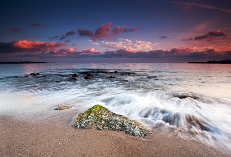 <b>Plage du Midi @ Golfe Juan (French Riviera)</b> <i>Canon EOS 5D Mark II + Canon EF 17-40mm f/4L USM</i>