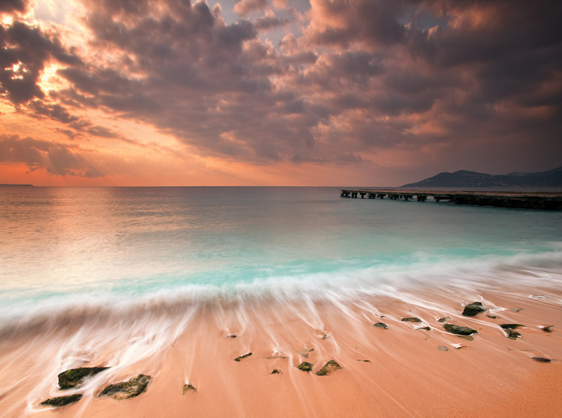 <b>Sunrise @ Cannes La Bocca #7 (French Riviera)</b> <i>Canon EOS 5D Mark II + Canon EF 17-40mm f/4L USM</i>