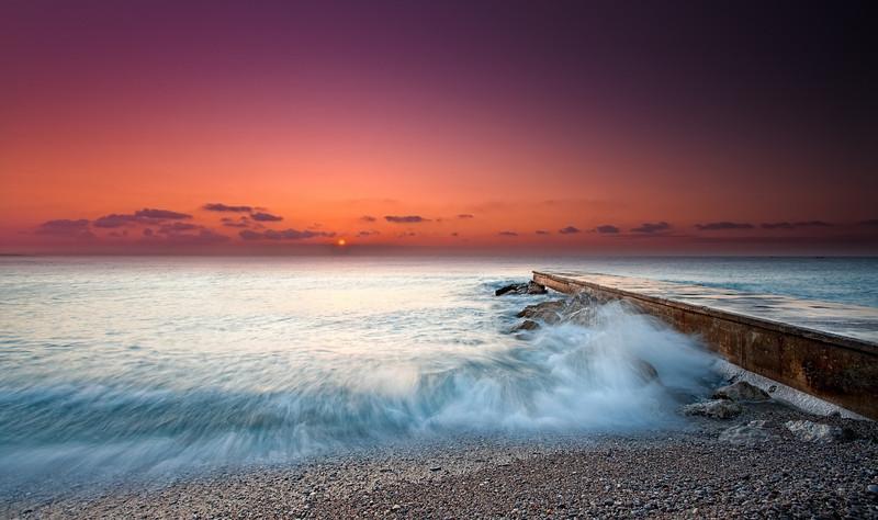 <b>Plage de la Pierre au Tambour @ Villeneuve-Loubet (French Riviera)</b> <i>Canon EOS 5D Mark II + Canon EF 17-40mm f/4L USM</i>
