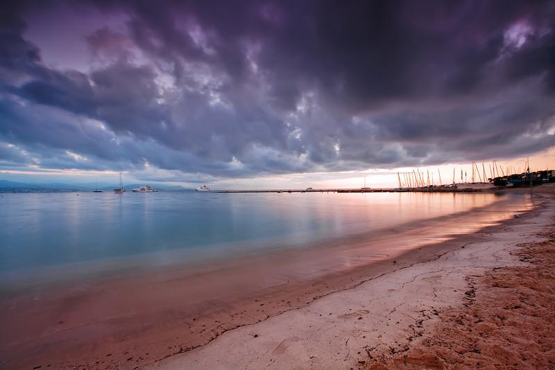 <b>Plage de la Salis @ Antibes (French Riviera)</b> <i>Canon EOS 5D Mark II + Canon EF 17-40mm f/4L USM</i>