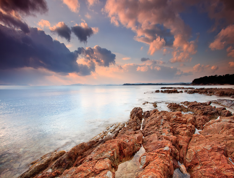 <b>Cabasson Beach @ Bormes les Mimosas #2 (French Riviera)</b> <i>Canon EOS 5D Mark II + Canon EF 17-40mm f/4L USM</i>