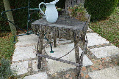 A rustic table to go with the scheme