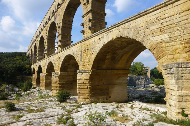 This aqueduct was built in the 1st century BC and carried 44 million gallons of water each day from Uzes to Nimes. It was in use for 600 years! How 'bout that History lesson.