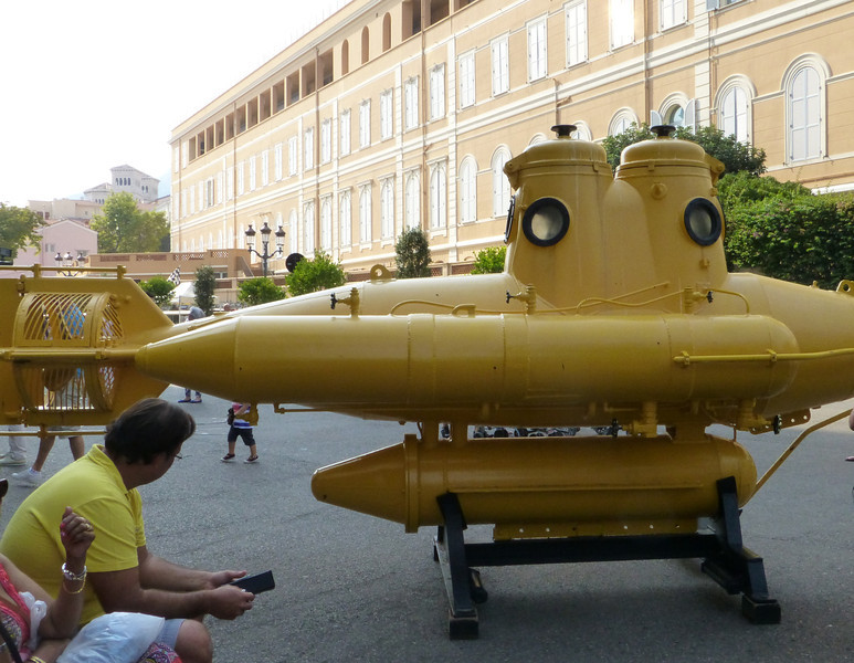 Our day of leisure didn't included gambling...We chose a trip to Monaco's famous Aquarium where Jacques Cousteau studied and worked instead. Do you suppose that the Beatles were inspired by this yellow submarine?