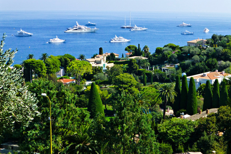 Ah, the views...the coast of Monaco with the amazing ships.