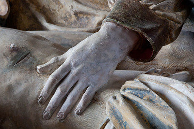 Bayel, Church of Saint Martin Pieta, The Hand of The Virgin
