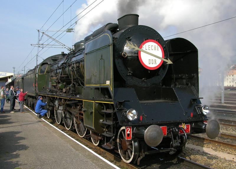 SNCF 4-6-2 231.K.8, Calais Ville, Fri 14 May 2004 4 - 1633