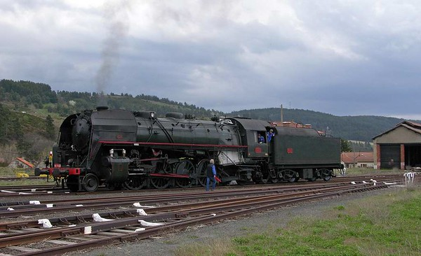 SNCF 141.R.420, Langogne, Tues 3 May 2005 2