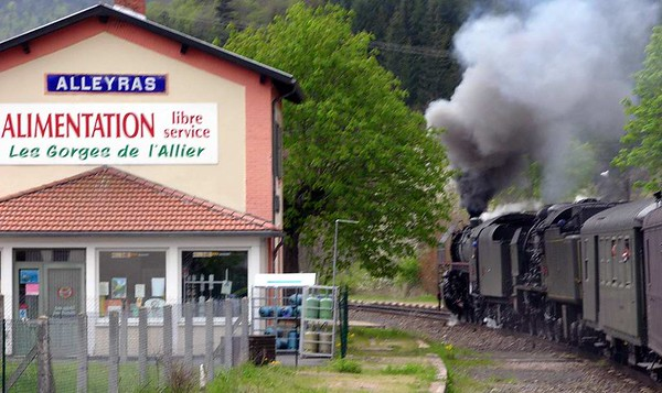 SNCF 141.R.420 & 231.K.8, Alleyras, Tues 3 May 2005 - 1212.  The Mediterranean Steam Express was still running two hours late, but worse was to come...