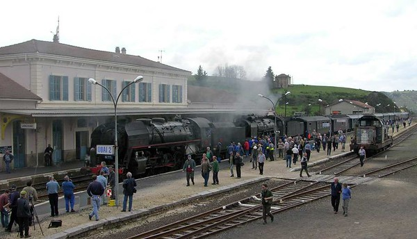 SNCF 141.R.420 + 231.K.8 & 666024, Langogne, Tues 3 May 2005 - 1451.  The Mediterranean Steeam Express struggled into Langogne at 1447 220 minutes late.  The 19km from Chapeauroux had taken just over two hours.