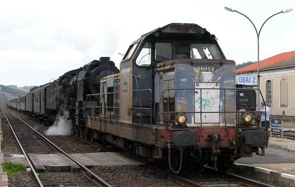 SNCF 666024 & 231.K.8, Langogne, Tues 3 May 2005 2