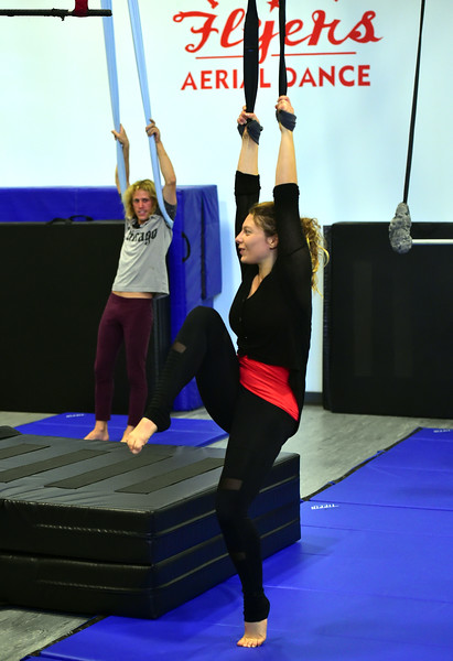 Frequent Flyers' Aerial Fitness 1/2