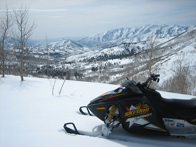 Snowmobiling Hobble Creek - March 2006