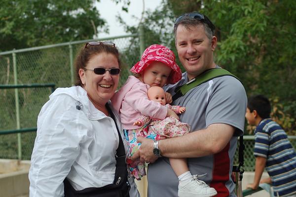 Maeve & Maren go to the Zoo