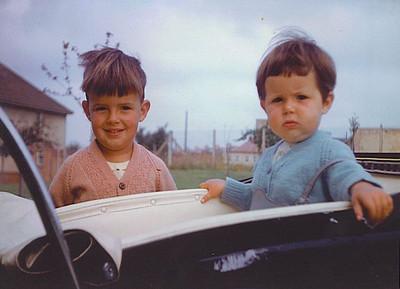 042 Stephen and Julia 1960