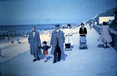 027 Mum, Stephen, Dad, Alice and June