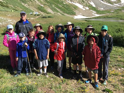 15 of us! .. How many will make the summit??  .. You can tell who the Lintereurs are: they all wear the same hat.  :)
