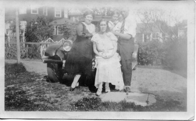 1930: Mary Henry Frost, Bessie Hampton Frost, George Francis Frost, George Washington Frost; Lynbrook, NY.