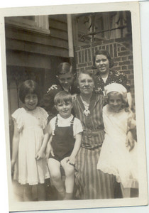 1939: Marie Yarzab, Freda Pupke Hampton, George F Frost, Gerard Frost, Gertrude Yarzab, Theresa Yarzab.