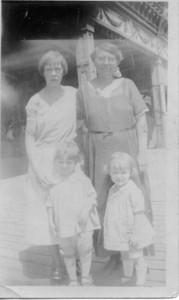 1924: Freda Pupke Hampton and Bessie Hampton Frost.