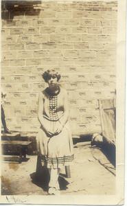 1925: Bessie Hampton.