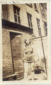 1927: Bessie Hampton.