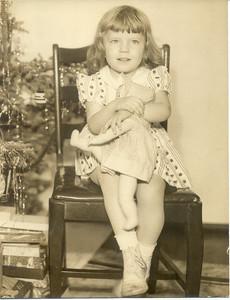 Lorraine Yarzab (later Lorraine Serra).