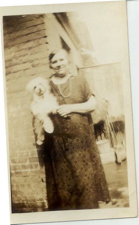 1926: Freda (Pupke) Hampton, Hart St. Brooklyn.