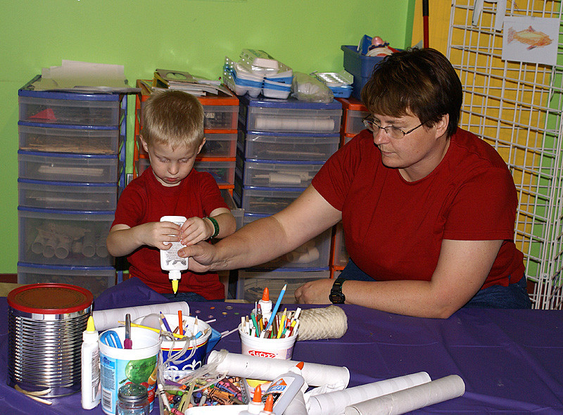 They also had activity areas in the Childrens museum. John loves doing crafts.