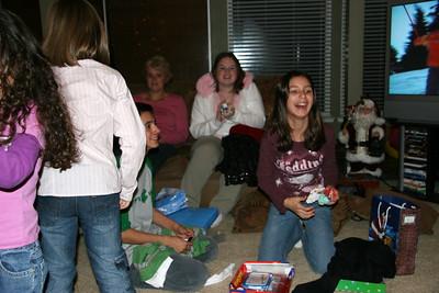 2005-12-24_21-01-54_foss