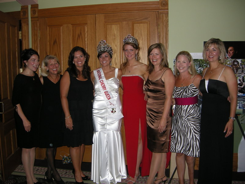 8 former and current National Cherry Queens