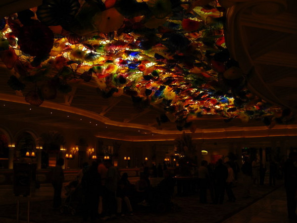 The glass flower ceiling in the Bellagio hotel check-in area.