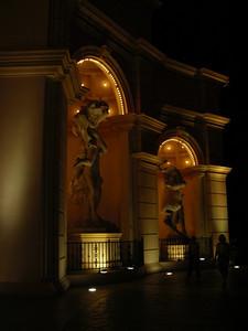 Monte Carlo statues