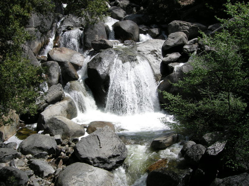 Roadside falls (Tenaya Creek?)