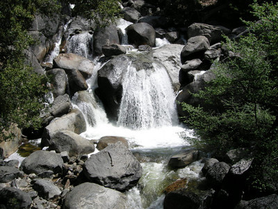 Roadside falls (Tenaya Creek?)